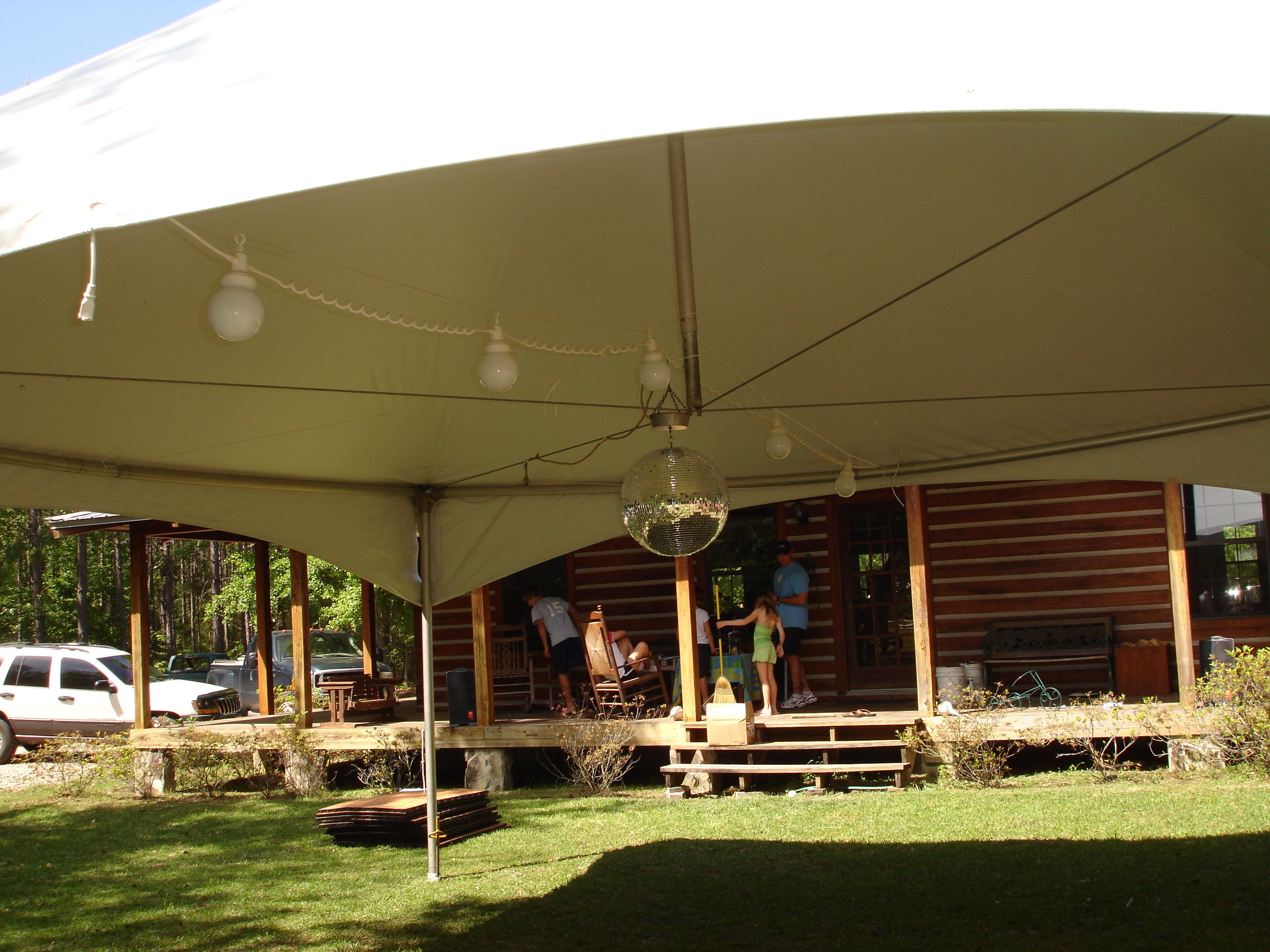 Tent - 20'x20' Interior with Discoball
