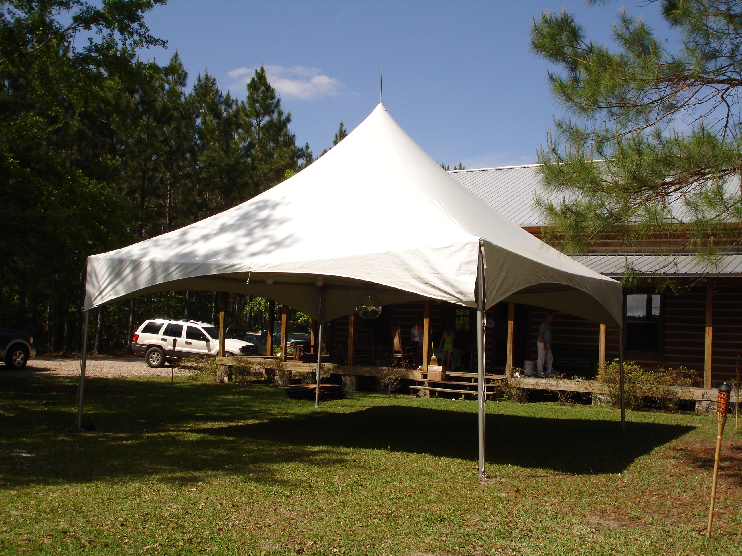 Tent - 20'x20' with Discoball